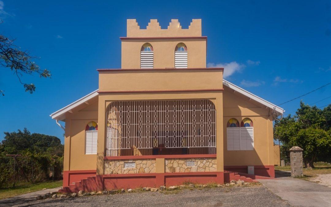 Local church spreads love in community