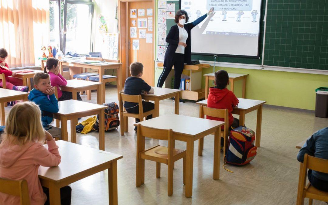INTERNATIONAL: Very few Americans back full school reopening