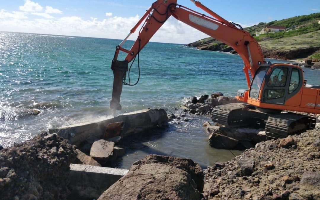 Pool built illegally in national park is torn down