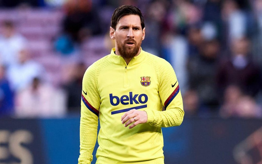 Messi reports for Barcelona training after confirming he will stay