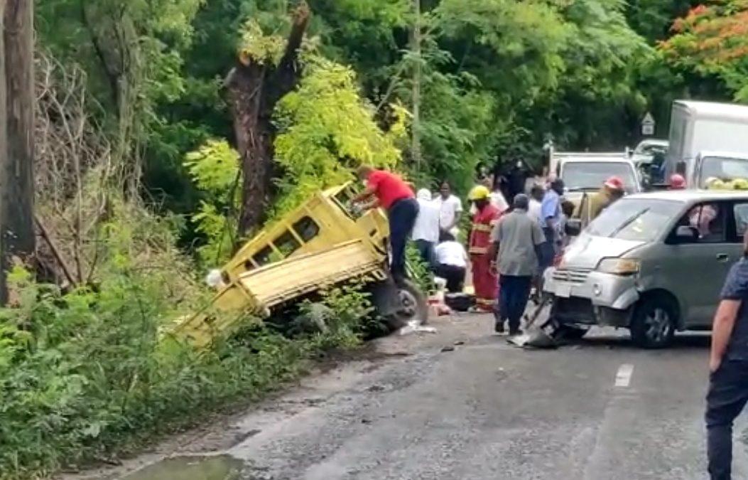Prisoners involved in road smash
