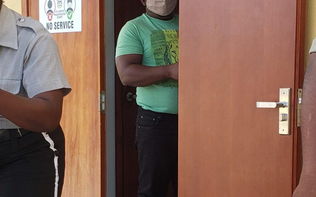Prison Officer who allegedly smuggled drugs gets bail